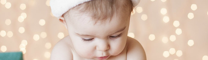 Breastfeeding Tips for the Holiday Season